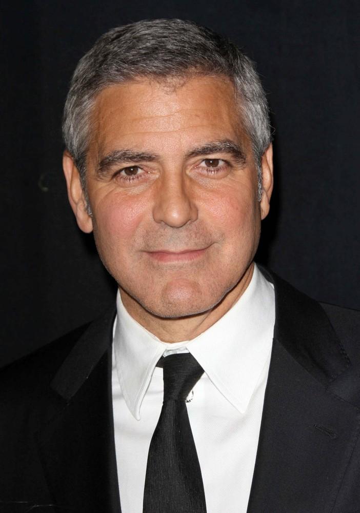 George Clooney ofereceu um milhão de dólares a cada amigo