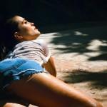 Atriz Joana Ribeiro arrasa em fotos ousadas
