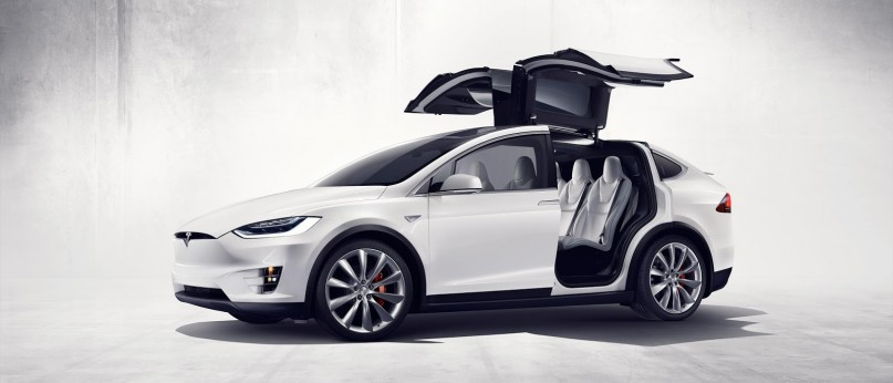 Tesla-Model-X71-807x346